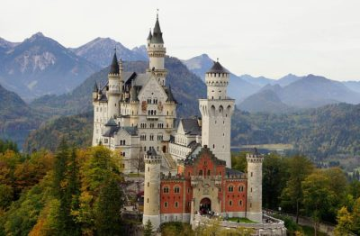 autumn at Neuschwanstein palace